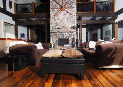 reclaimed pine flooring